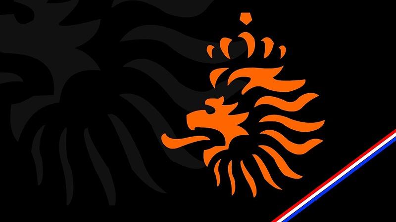 e91310dcfdc AZ-speler Robin Schouten in Oranje O18 tijdens wedstrijden tegen Engeland