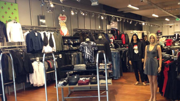 Kinderkleding Alkmaar.Alkmaar Centraal Coolcat Winkels Alsnog Dicht Mogelijk Honderden