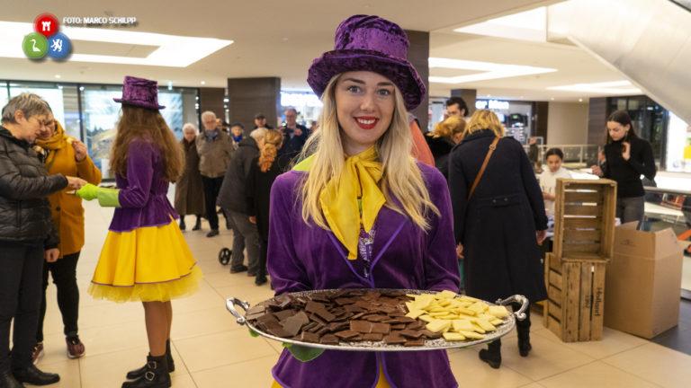 'Grand Opening' Ringers Winkelcentrum met Lange Frans en echte Ringers Chocola - Alkmaar Centraal