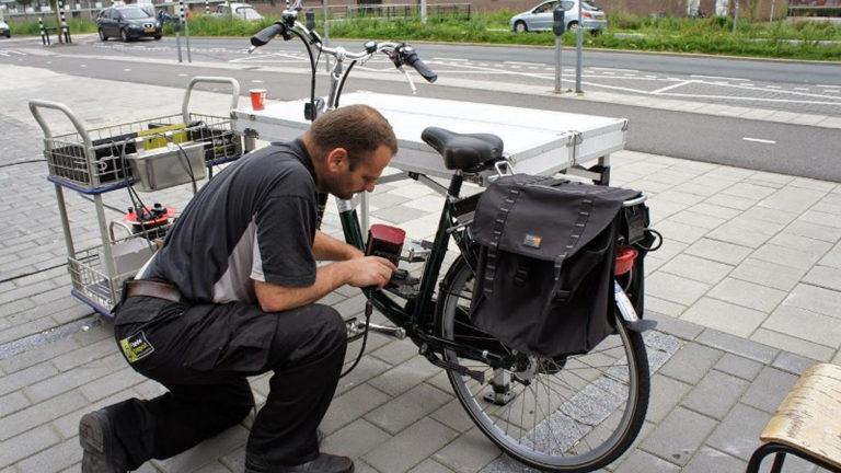 Politie, gemeente en fietswinkel Hans de Boer houden actie tegen fietsdiefstal - Alkmaar Centraal